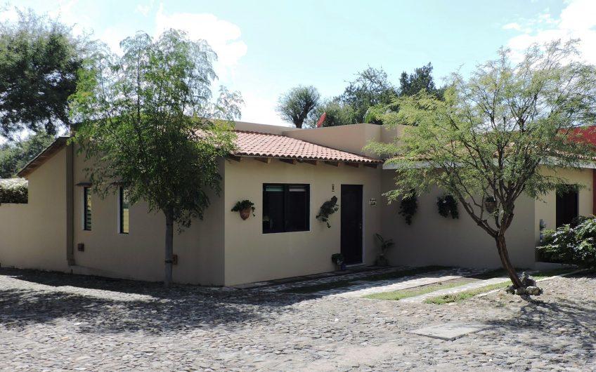 Mezquites house